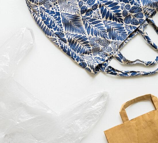 Bolsas de plástico, algodón y papel. Pros y contras